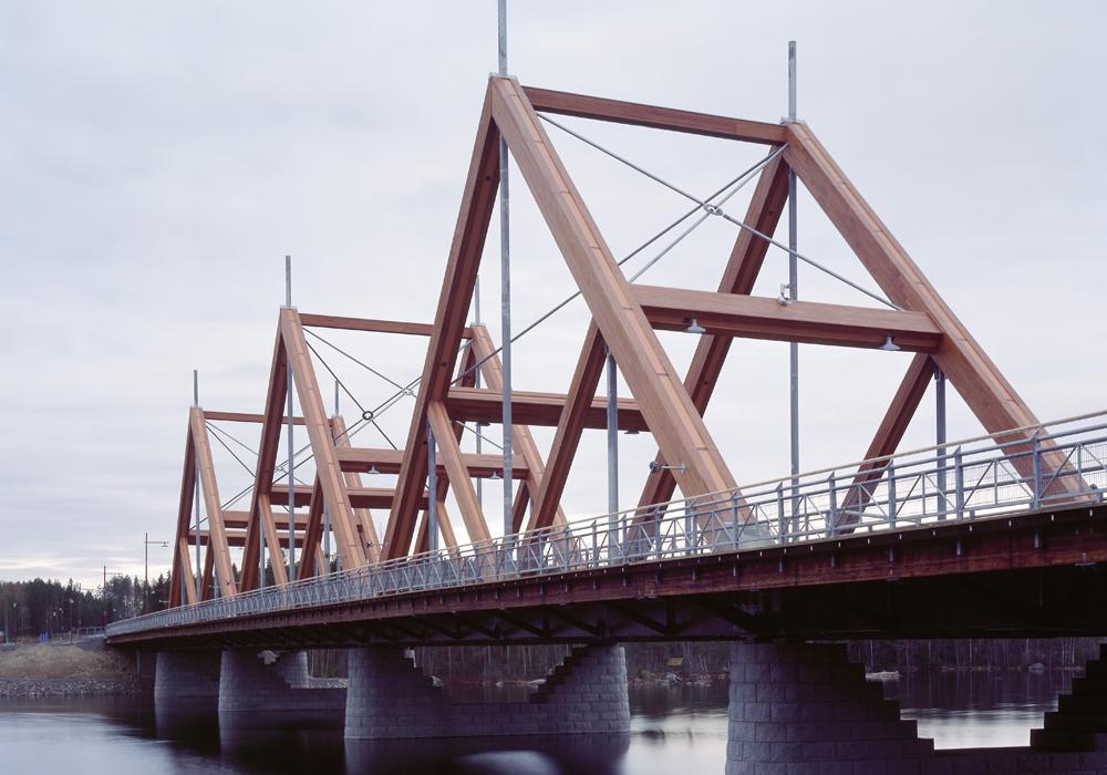 Tämän kuvan alt-attribuutti on tyhjä; Tiedoston nimi on 2000-Vihantasalmen-silta.jpg