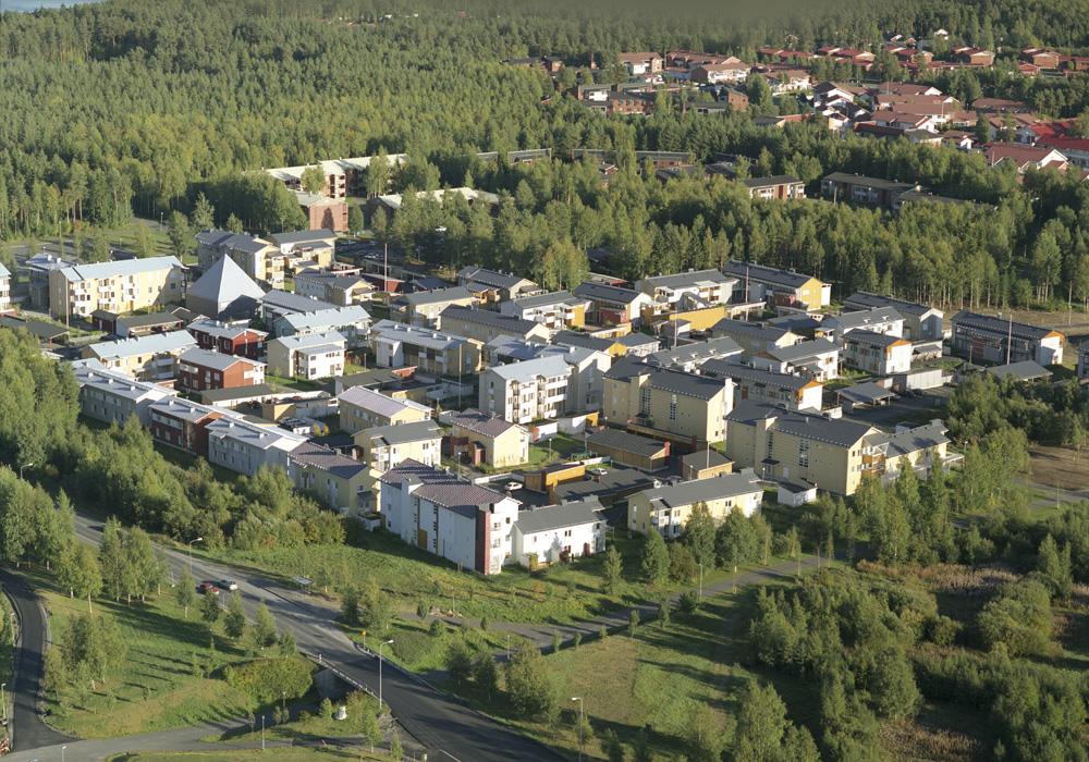 Tämän kuvan alt-attribuutti on tyhjä; Tiedoston nimi on 2003-Puu-Linnanmaan-alue.jpg