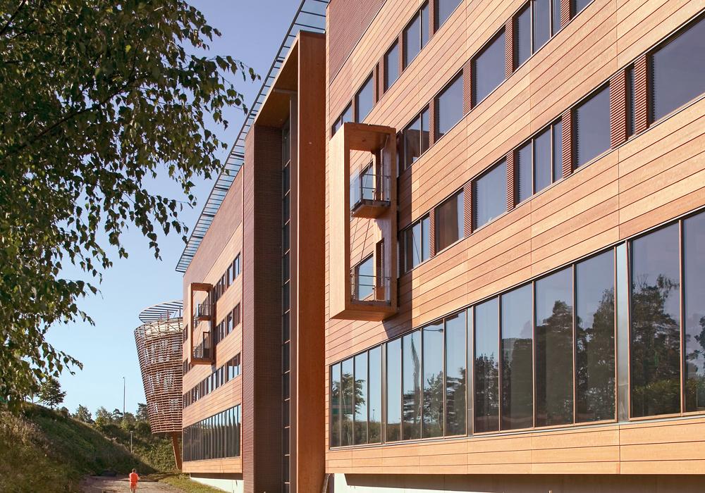 Tämän kuvan alt-attribuutti on tyhjä; Tiedoston nimi on 2006-FMO-toimistotalo.jpg