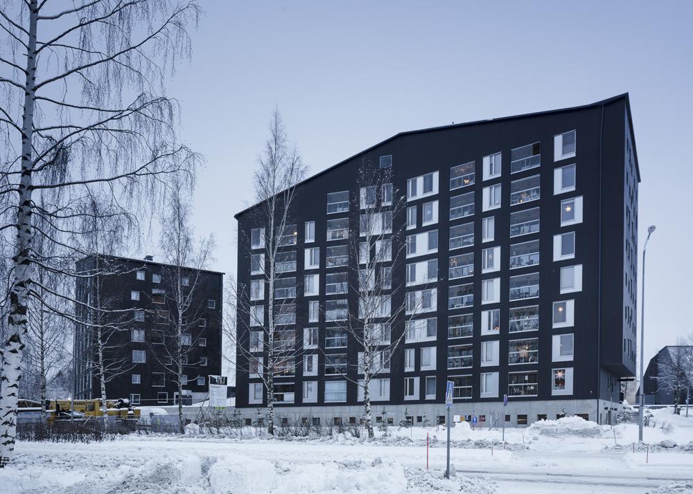Tämän kuvan alt-attribuutti on tyhjä; Tiedoston nimi on OOPEAA_Puukuokka-Housing-Block_House-2_Mikko-Auerniitty_1.jpg